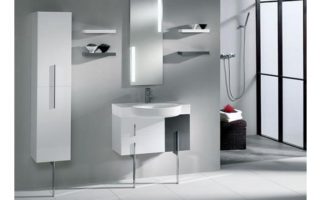 meble łazienkowe wisząco-stojące