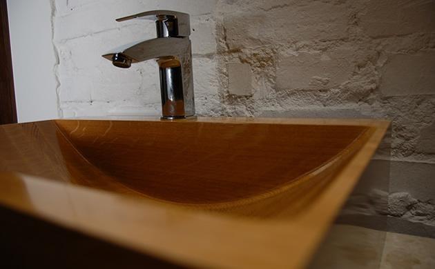 drewniana umywalka