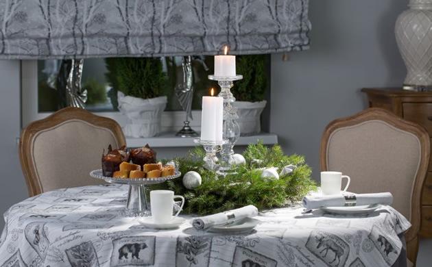 stół Decoria swieczki obrus