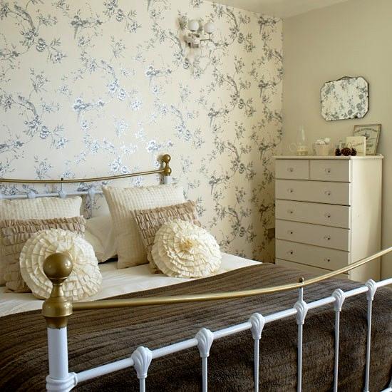 sypialnia w stylu rustykalnym
